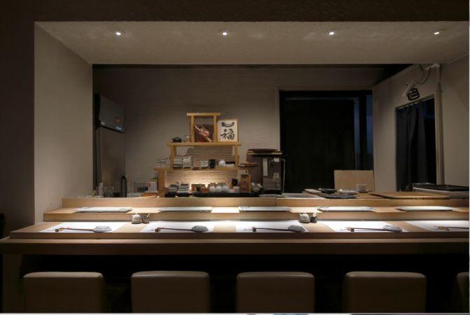 閑静な住宅街・渋谷と広尾の間に位置する道路沿いすし屋居抜き店舗!イメージ画像1