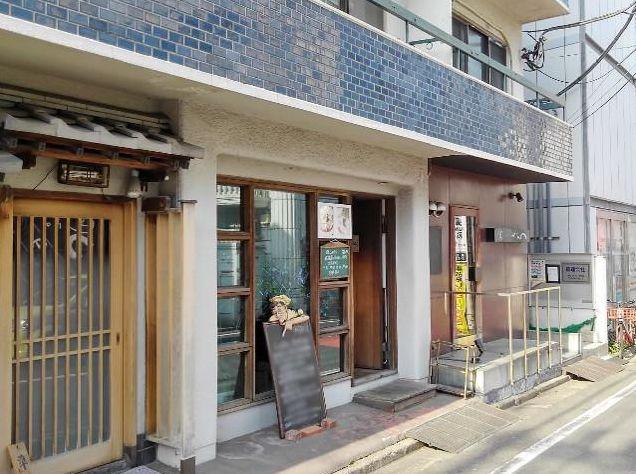 世田谷エリア・駅から徒歩3分に位置するラーメン店居抜き♪とんかつや蕎麦などの和食系も合う店構えです。イメージ