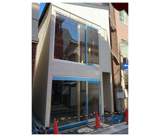 駅前好立地・新築スケルトン店舗!前面ガラス張りで明るい店内が魅力です♪イメージ画像1