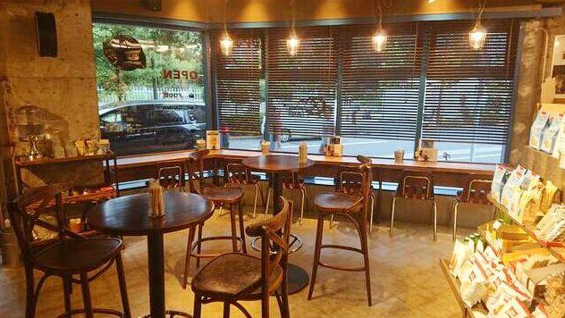 【軽飲食限定】区立新宿公園目の前/花園通り沿い・内装美麗なカフェバー居ぬき!イメージ画像1