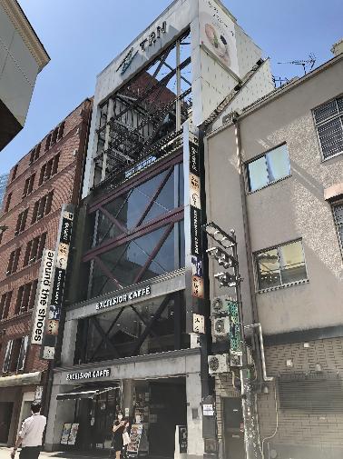 新宿駅・新宿三丁目駅から徒歩3分圏内♪ ビックロやマルイなどがある通行量の多い立地です! サービス・美容業態におススメです! イメージ画像1