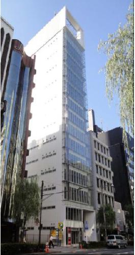 「銀座」駅から徒歩4分、白を基調としたお洒落な外観のビルです♪ 物販・サービス店舗におすすめです!イメージ画像1